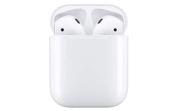 Apple AirPods w zestawie z iPhonem