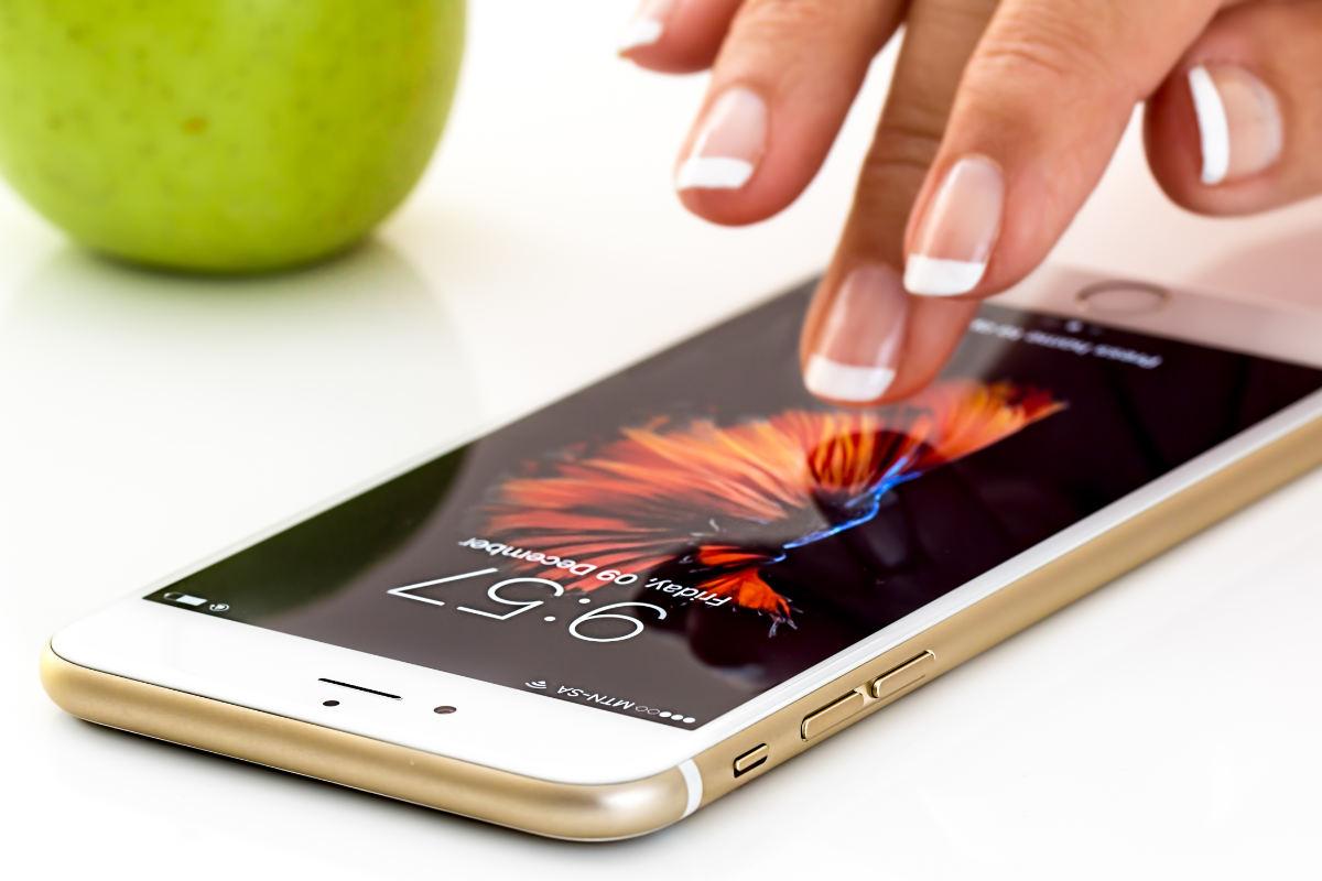 iPhone 12 obsłuży całe spektrum 5G, w tym sub-6 GHz i mmWawe