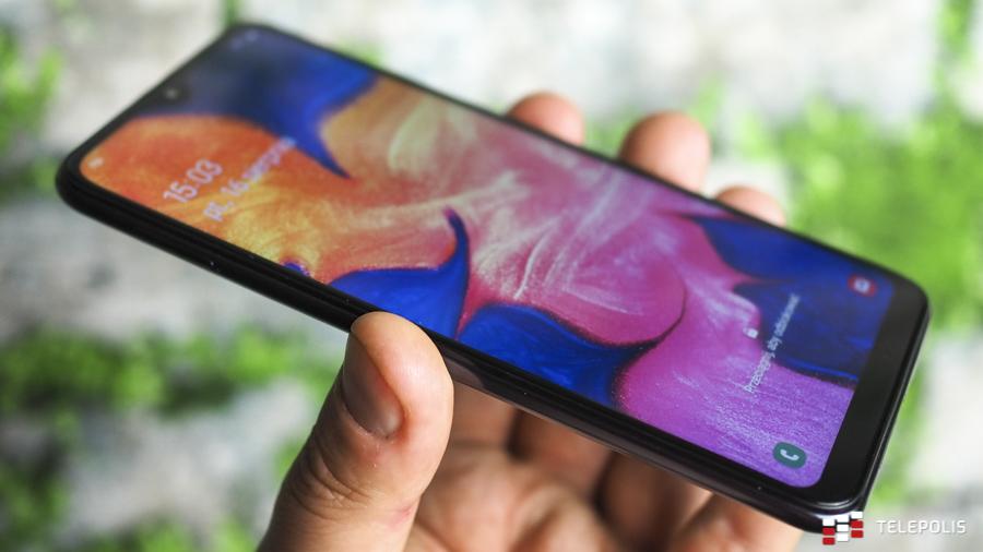 """Samsung coraz bardziej chiński. """"Tylko nalepi logo"""" na 20% swoich smartfonów"""
